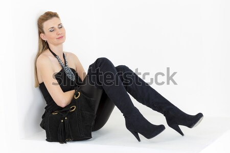 座って 女性 着用 黒 服 ブーツ ストックフォト © phbcz