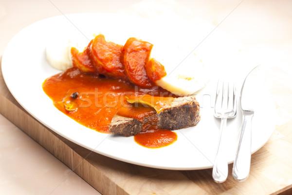 Carne carne salsa di pomodoro piatto coltello pasto Foto d'archivio © phbcz