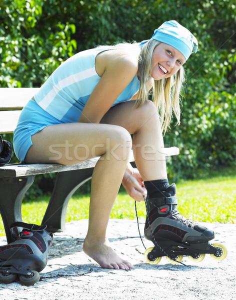 Görkorcsolyázó nő sport egészség pihen fiatal Stock fotó © phbcz