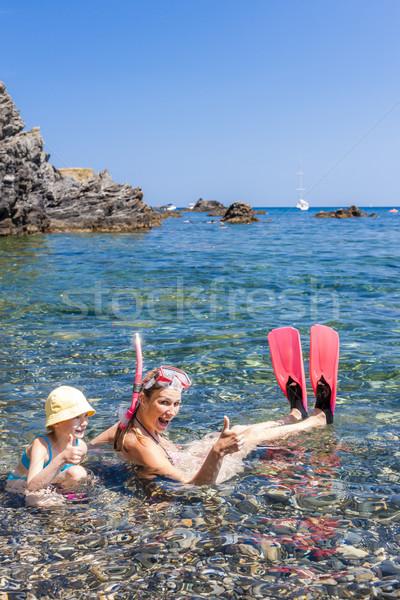 Snorkeling mediterrán tenger Franciaország nő család Stock fotó © phbcz