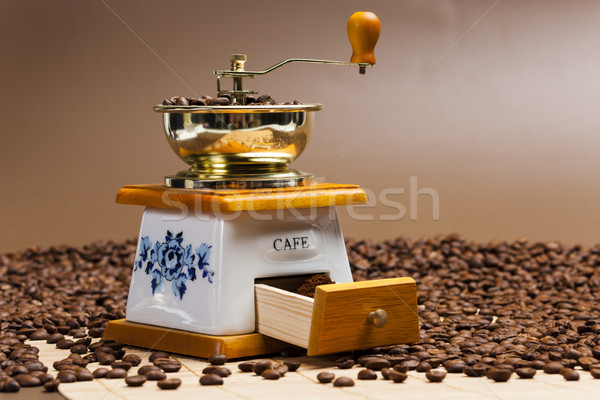 Café moulin grains de café sol objet Photo stock © phbcz