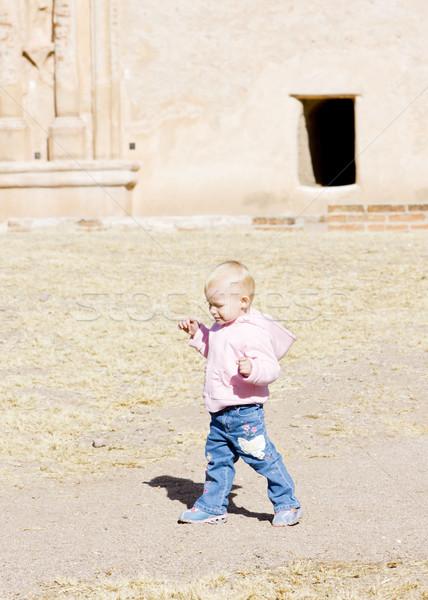 Kislány séta lány gyerekek gyermek áll Stock fotó © phbcz