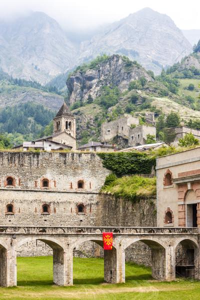 Erőd Olaszország épület templom híd hegyek Stock fotó © phbcz