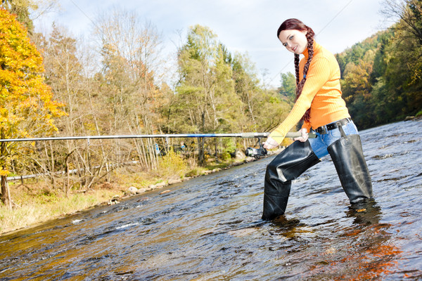 Mulher pescaria rio República Checa mulheres outono Foto stock © phbcz