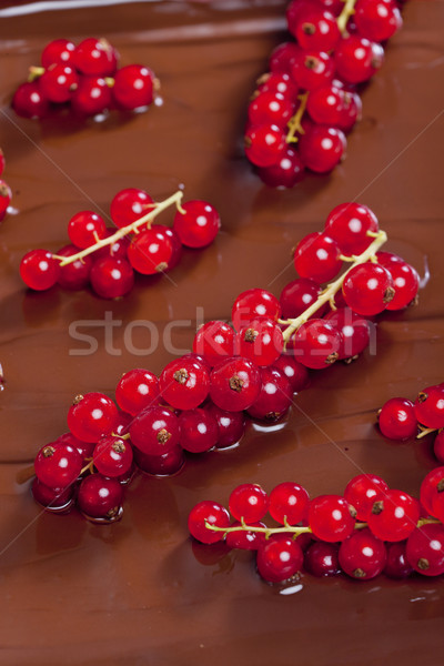 Chocolat rouge groseille dessert sweet nutrition Photo stock © phbcz
