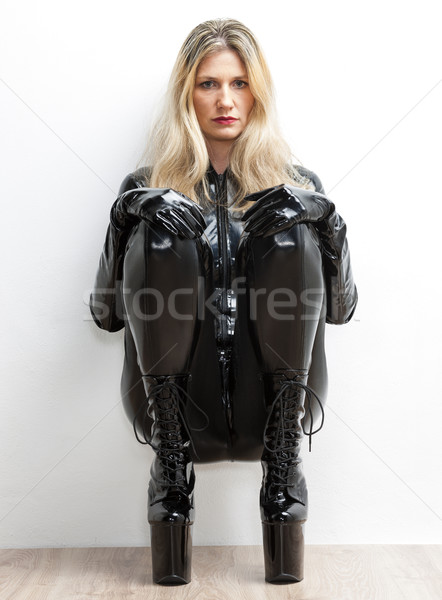 Stock fotó: ül · nő · visel · extravagáns · ruházat · nők