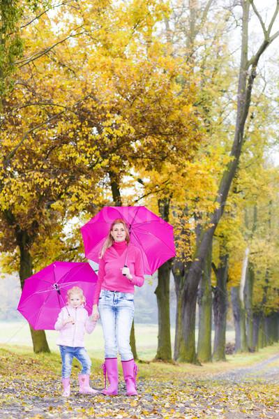 Moeder dochter parasols steegje vrouw Stockfoto © phbcz