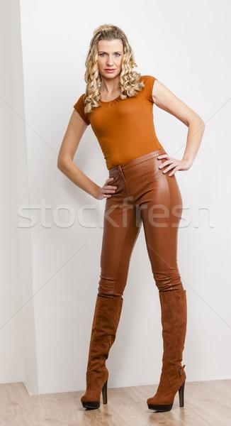 立って 女性 着用 ファッショナブル ブラウン 服 ストックフォト © phbcz