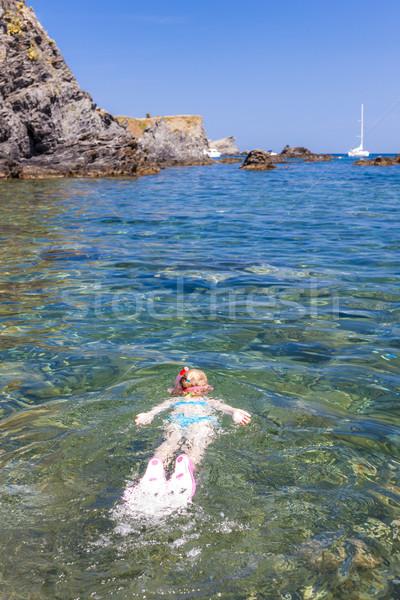 Kislány snorkeling mediterrán tenger lány gyermek Stock fotó © phbcz