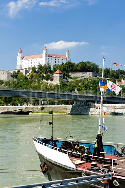 Bratislava castel Slovacia oraş barcă arhitectură Imagine de stoc © phbcz