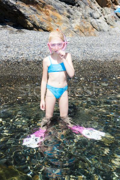 Kislány tengerpart tenger kész snorkeling lány Stock fotó © phbcz