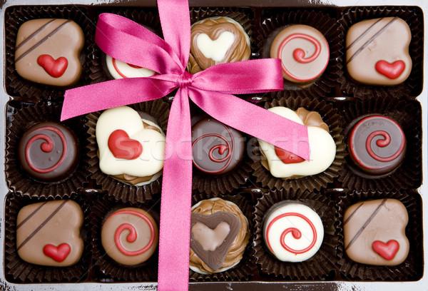 Csokoládé doboz szalag ünneplés édesség szívek Stock fotó © phbcz