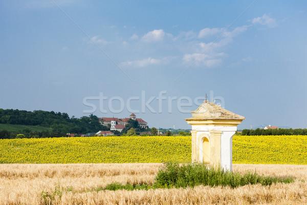 Kínzás napraforgó mező kastély Csehország épület Stock fotó © phbcz