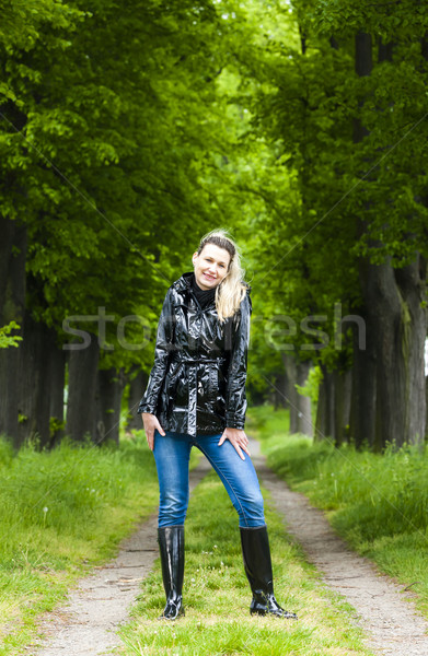 Nő visel gumicsizma tavasz sikátor divat Stock fotó © phbcz