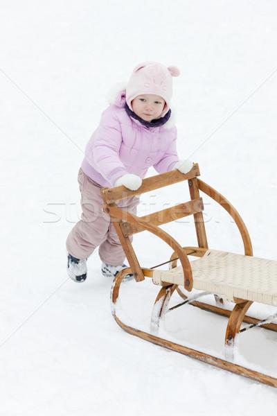 ストックフォト: 女の子 · そり · 少女 · 子 · 雪 · 帽子