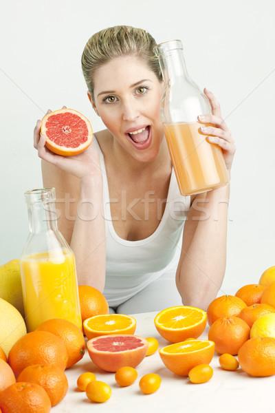 Stok fotoğraf: Portre · genç · kadın · narenciye · portakal · suyu · gıda · kadın
