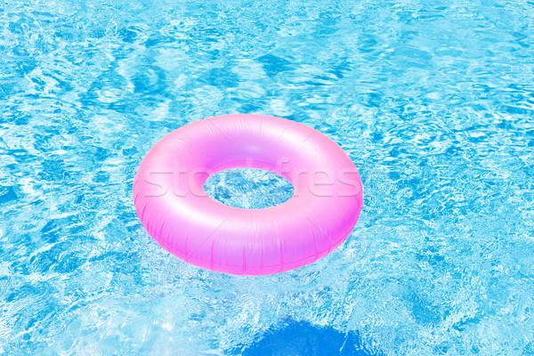 Rosa Gummi Ring Schwimmbad Wasser Sommer Stock foto © phbcz
