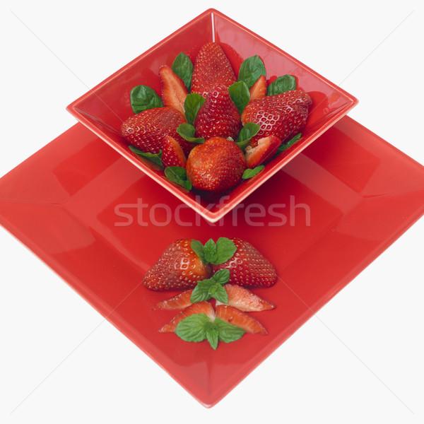 Morangos de folhas fruto saúde comer Foto stock © phbcz