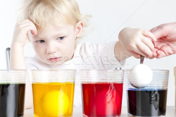 девочку пасхальных яиц стороны ребенка портрет яйца Сток-фото © phbcz
