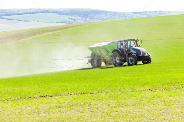 Tracteur domaine République tchèque prairie machines extérieur Photo stock © phbcz