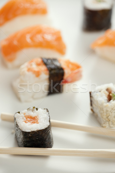 Sushis alimentaire poissons plaque saine fruits de mer Photo stock © phbcz