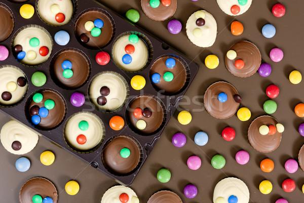 Сток-фото: натюрморт · шоколадом · продовольствие · конфеты · белый · конфеты
