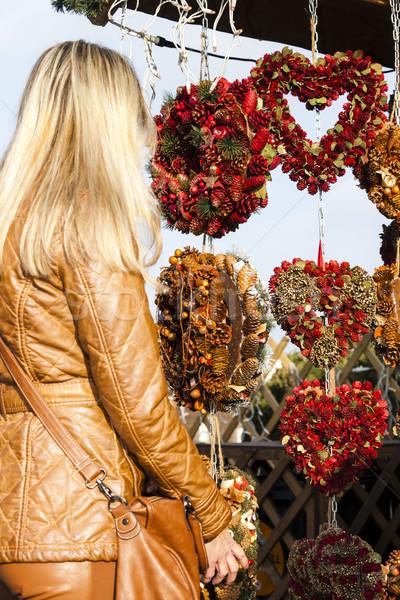 Nő karácsony piac Bécs Ausztria szeretet Stock fotó © phbcz