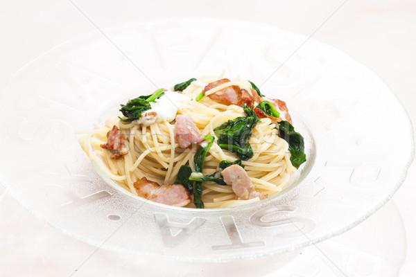 Spaghetti spinaci pancetta mozzarella piatto pasto Foto d'archivio © phbcz