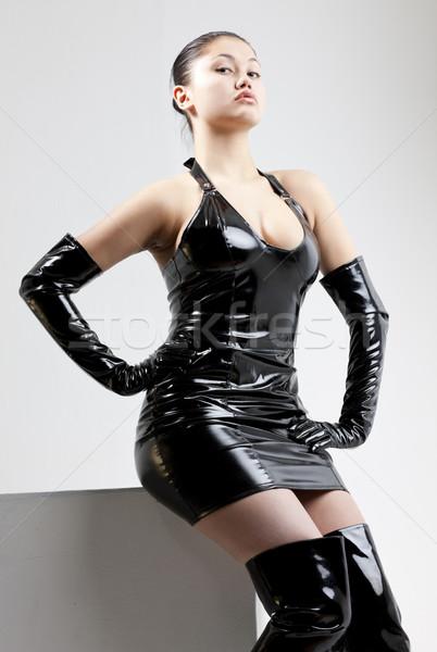 Retrato mulher jovem extravagante roupa mulheres Foto stock © phbcz