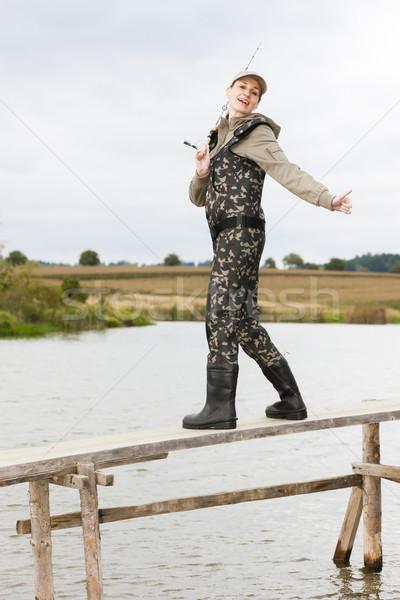 женщину рыбалки пирс пруд женщины расслабиться Сток-фото © phbcz