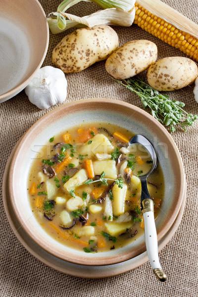 Aardappelsoep plaat groenten lepel kruiden plantaardige Stockfoto © phbcz