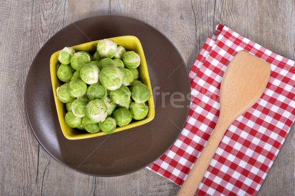 Tányér Brüsszel fa asztal ősz zöldség friss Stock fotó © philipimage