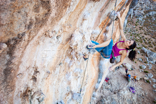 Stok fotoğraf: Genç · kadın · kaya · uçurum · yüz · duvar