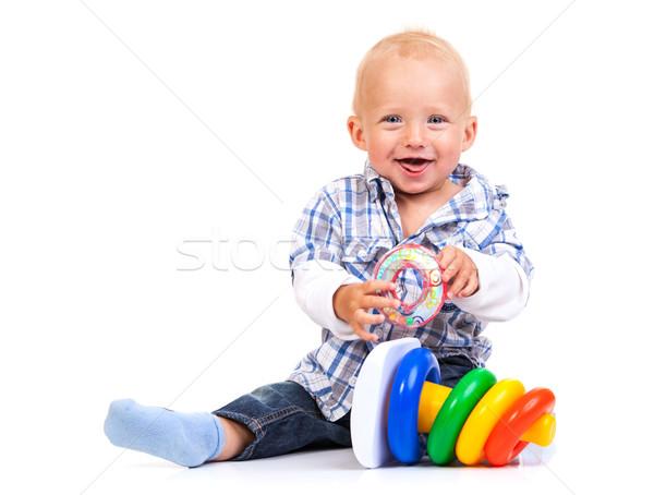 Aranyos kicsi fiú játszik piramis játék Stock fotó © photobac