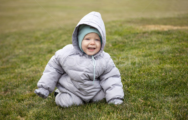 Bonitinho pequeno menino primavera parque retrato Foto stock © photobac
