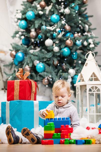 Kisgyerek fiú játszik kockák karácsonyfa aranyos Stock fotó © photobac
