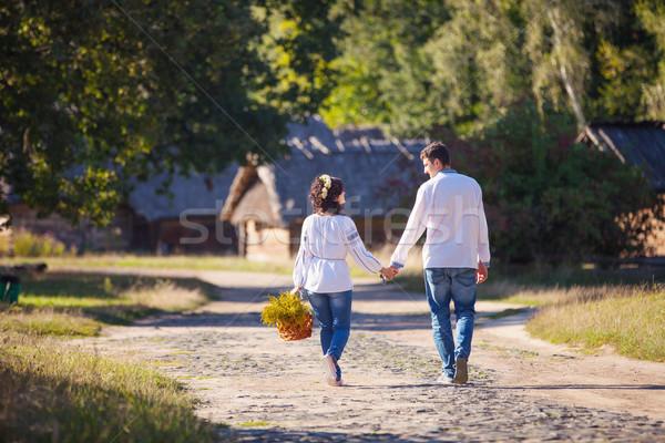 Fiatal pér sétál út stílus ruházat lány Stock fotó © photobac