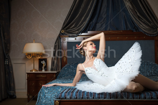 Ballerina bed luxe interieur Stockfoto © photobac