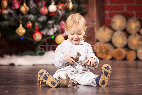 Kicsi fiú játszik játék karácsonyfa derűs Stock fotó © photobac