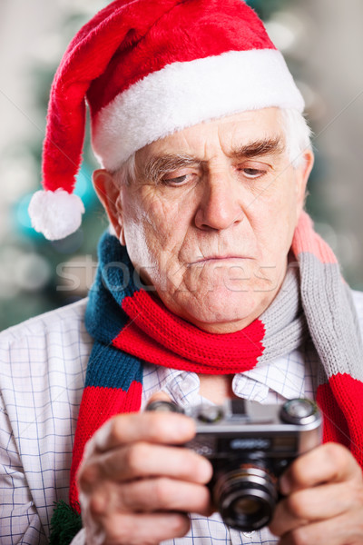 Kıdemli adam fotoğraf Noel ağaç Stok fotoğraf © photobac