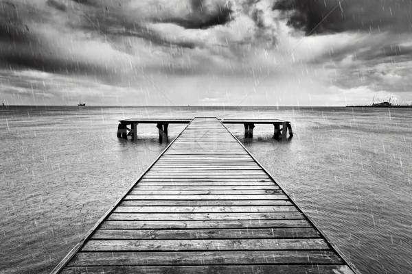古い 桟橋 海 黒白 雨 木製 ストックフォト © photocreo