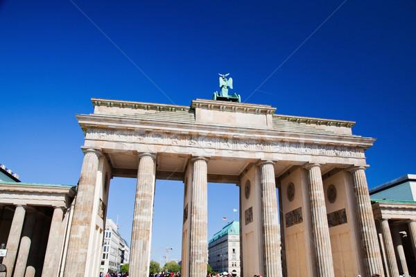 Brandenburgi kapu Berlin Németország napos kék ég város Stock fotó © photocreo