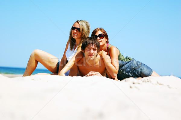 Jeunes amis été plage séduisant Photo stock © photocreo