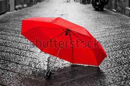 Rot Dach Kopfsteinpflaster Straße Altstadt Wind Stock foto © photocreo