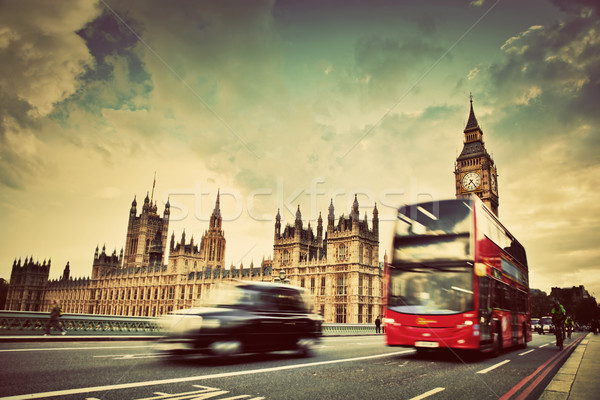 Photo stock: Londres · rouge · bus · taxi · mouvement