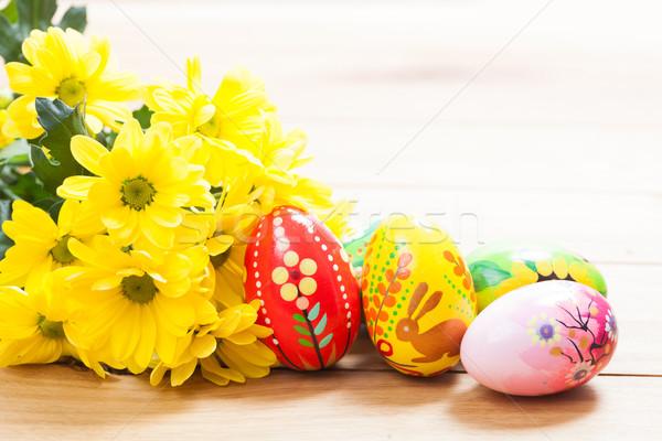 Foto d'archivio: Colorato · mano · verniciato · easter · eggs · fiori · di · primavera · legno