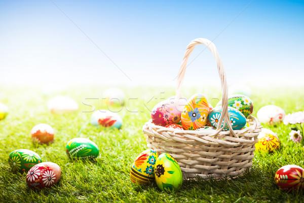 Unico mano verniciato easter eggs basket erba Foto d'archivio © photocreo
