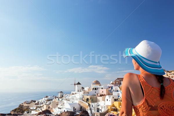 Feliz turista mulher santorini ilha Grécia Foto stock © photocreo