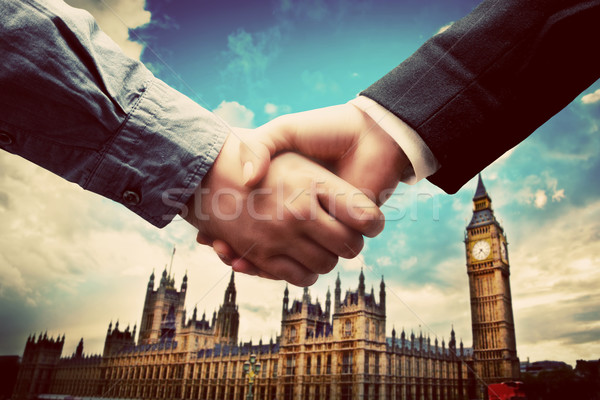 Affaires Londres handshake Big Ben westminster face Photo stock © photocreo