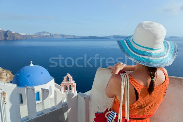 Szczęśliwy turystycznych kobieta santorini wyspa Grecja Zdjęcia stock © photocreo